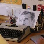Portrety słynnych pisarzy wystukane na maszynie do pisania