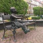 """Ławeczka Oskarka z """"Blaszanego bębenka"""" przechodzi generalny remont"""