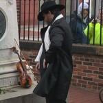 Tajemniczy Poe Toaster powrócił na grób Edgara Allana Poe