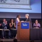 Uniwersytet Yale rozdaje nagrody literackie o wartości 150 tys. dolarów. Laureaci początkowo nie wierzą, bo myślą, że to oszustwo