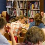 Dyrektor renomowanej szkoły ostrzega, że literatura fantastyczna szkodzi umysłom i może wywoływać choroby psychiczne