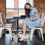 Powstaje kolekcja literackich sukienek. Współautorkami projektów będą polskie pisarki