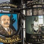 Szkocki pub imienia Arthura Conana Doyle'a zmienił nazwę na J.K. Rowling, ale tylko na miesiąc