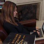 """Gillian Flynn w nowej roli. Pisarka będzie twórczynią amerykańskiej wersji serialu """"Utopia"""""""