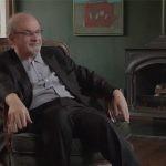 """Netflix zekranizuje """"Dzieci północy"""". Salman Rushdie z zachwytu powrócił po dwóch latach na Twittera"""