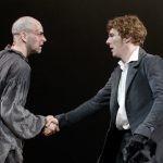 """Benedict Cumberbatch we """"Frankensteinie""""! Spektakl londyńskiego teatru w reżyserii Danny?ego Boyle?a na ekranach polskich kin"""