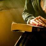Dojrzałe kobiety są przedstawiane w literaturze stereotypowo?