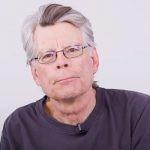 """Stephen King napisał nowe, ostateczne zakończenie """"Bastionu"""". Poznamy je w zapowiadanym serialu na podstawie książki"""