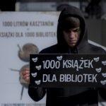 """Wydawnictwo Muza z thrillerem """"Szeptacz"""" przyłącza się do akcji W.A.B.-u, przekazując kasztany i 1000 książek dla bibliotek"""