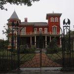 """""""Nawiedzony"""" dom Stephena Kinga w Bangor zostanie przemieniony w archiwum pisarza. Obok powstanie miejsce pracy dla twórców"""