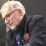 Stan zdrowia Jerzego Pilcha uległ pogorszeniu. Pisarz porusza się na wózku inwalidzkim i apeluje o uwolnienie niepełnosprawnych z ich mieszkań
