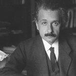 Albert Einstein wyjaśnia, dlaczego warto czytać klasyków