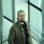 """Producent filmu """"Sala samobójców. Hejter"""" kupił prawa do ekranizacji serii """"Ukryta sieć"""" Jakuba Szamałka"""