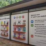W Australii można kupować książki stojąc przed wystawą księgarni