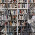 16 wypowiedzi pisarzy w obronie bibliotek