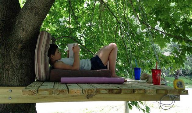 kącik do czytania na drzewie - 1
