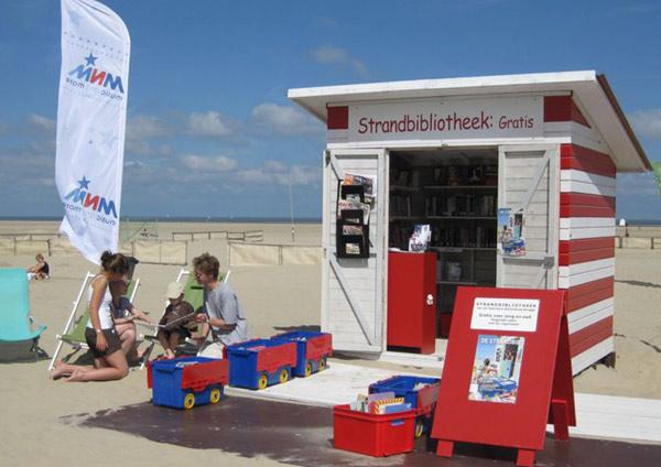 biblioteka na plaży w Zeebrugge
