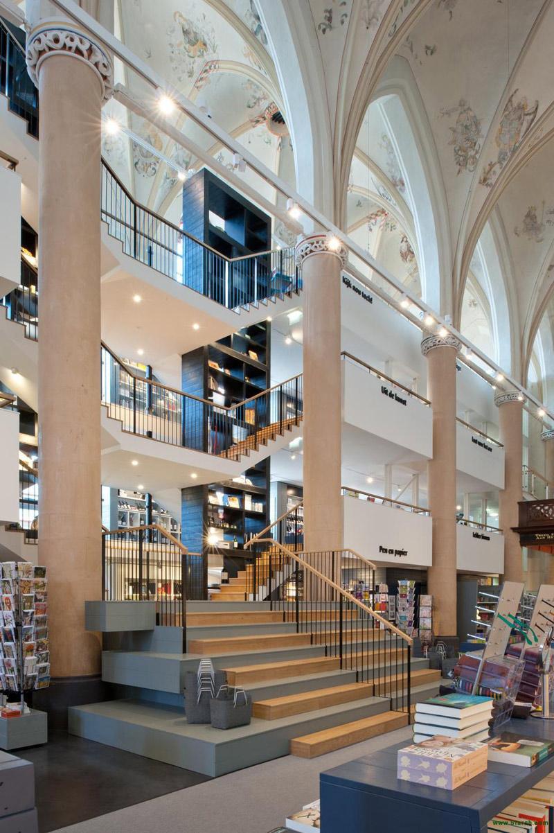 księgarnia w holenderskiej katedrze - 7