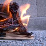 6 arcydzieł literatury, które ocalały przed ogniem