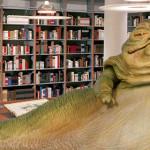"""Jabba The Hut z """"Gwiezdnych Wojen"""" pracuje jako bibliotekarz!"""