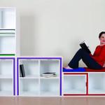 Stworzyła regał na książki, w którym można przechowywać stół i krzesła