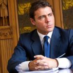 Biznesmen Alessandro Proto prawdziwym Christianem Greyem?
