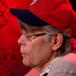 """Stephen King przeprasza adoptowaną córkę Woody?ego Allena za """"wyczuwalną sukowatość"""""""