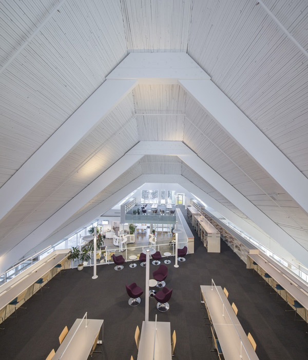 biblioteka-kosciol-kanada-4