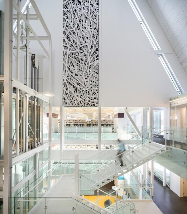 biblioteka-kosciol-kanada-6