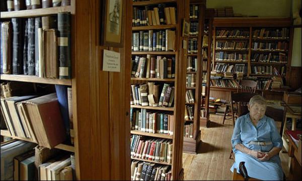 najstarsza-bibliotekarka-1
