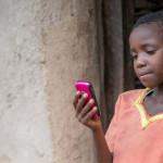 Raport UNESCO: smartfony przyczyniają się do wzrostu czytelnictwa w krajach Trzeciego Świata