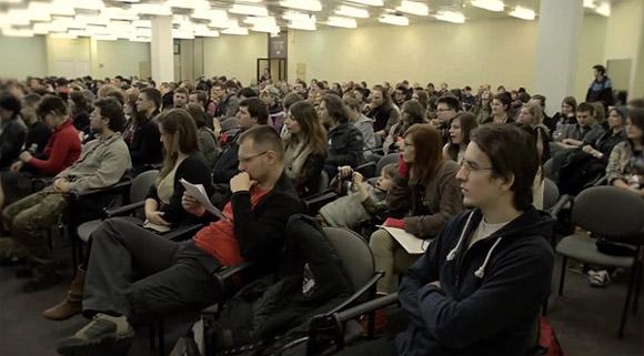 Publiczność podczas spotkania z pisarzem na Festiwalu Fantastyki Pyrkon 2013 w Poznaniu.