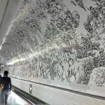 """Paryskie metro udekorowano """"Wielką Wojną"""" Joego Sacco"""