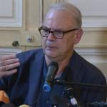 Francja cieszy się ze zwycięstwa Modiano. Pisarz dedykuje Nobla swojemu wnukowi