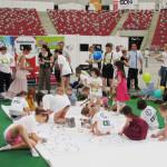 Zielona Sowa pobiła rekord, kolorując największą książeczkę na świecie