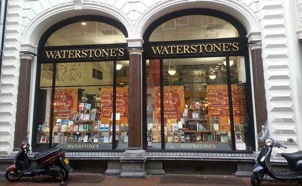 waterstones-tradycyjne-ksiazki