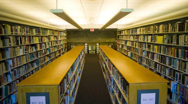 Polacy-nie-chodza-do-bibliotek