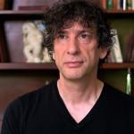 """Co Neil Gaiman sądzi o sukcesie """"Pięćdziesięciu twarzy Greya"""" i listach bestsellerów"""