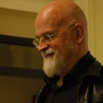 """Przeczytamy jeszcze dwie książki Terry?ego Pratchetta. Kidby pracuje już nad ilustracjami do finalnego tomu """"Świata Dysku"""""""
