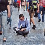 21-letni Słowak zachęca do czytania książek zawsze i wszędzie