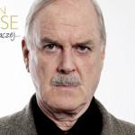 """Współtwórca Monty Pythona wspomina czasy szkolne – fragment autobiografii """"Tak czy inaczej…"""" Johna Cleese'a"""