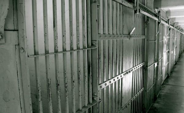 ksiazki-zamiast-wiezienia
