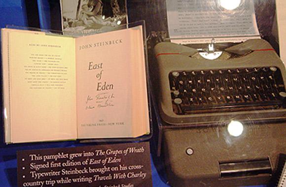 """John Steinbeck - Hermes, którego pisarz używał w trakcie """"Podróży z Charleyem""""."""