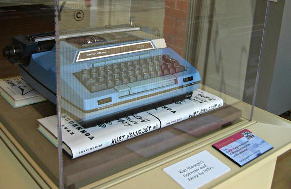 Kurt Vonnegut - używana przez pisarza w latach 70. Smith-Corona Coronamatic 2200.