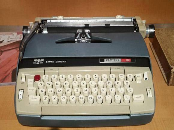 Truman Capote - Smith-Corona Electra 110 (nr seryjny 6SE2137001), używana przez autora przy pisaniu trzech ostatnich książek.