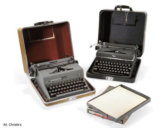 Vladimir Nabokov - Royal Quiet De Luxe (przenośne), pisarz dyktował tekst swej żonie, Verze.