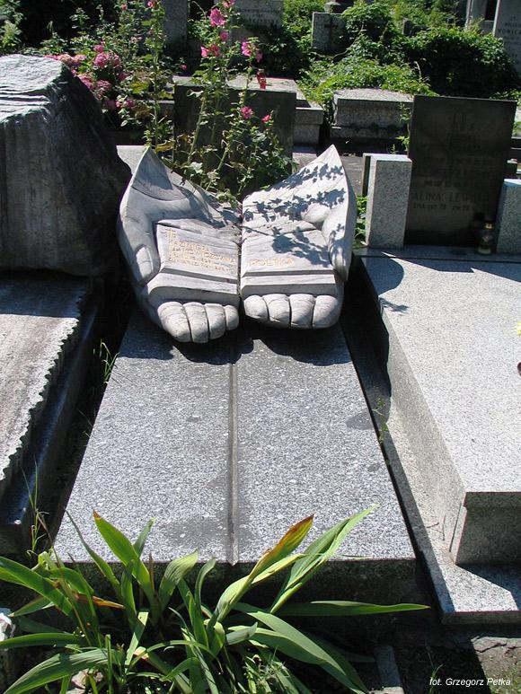 Kazimiera Iłłakowiczówna (Cmentarz Powązkowski, Warszawa)