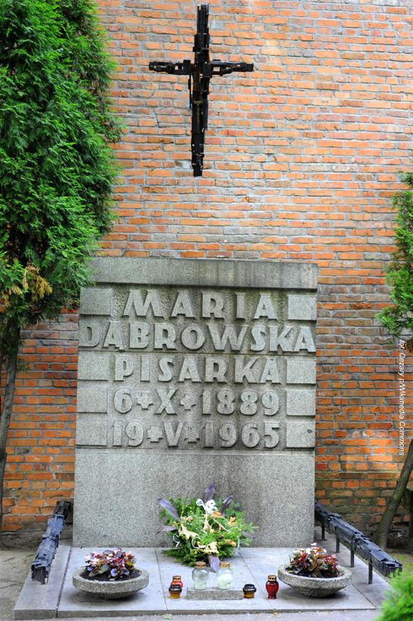 Maria Dąbrowska (Aleja Zasłużonych na Cmentarzu Powązkowskim, Warszawa)