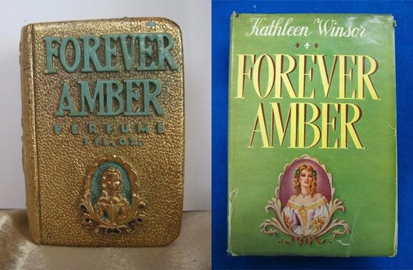 """Flakonik z perfumami """"Forever Amber? stylizowanymi na okładkę powieści o tym samym tytule autorstwa Kathleen Winsor (w Polsce znanej jako """"Burzliwe życie Amber St. Clare?). Książka cieszyła się w drugiej połowie lat 40. ogromną popularnością, m.in. za sprawą filmu z Lindą Darnell i Cornellem Wildem."""