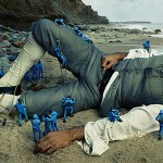 """Nowa kampania reklamowa Moncler inspirowana """"Podróżami Guliwera"""". Zobacz zdjęcie Annie Leibovitz"""